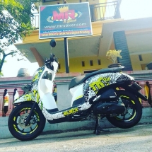 decal-scoopy-dc-ken-block
